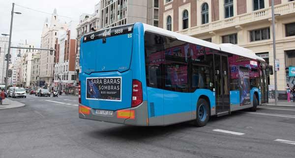 Autobús vinilado de Sara Baras